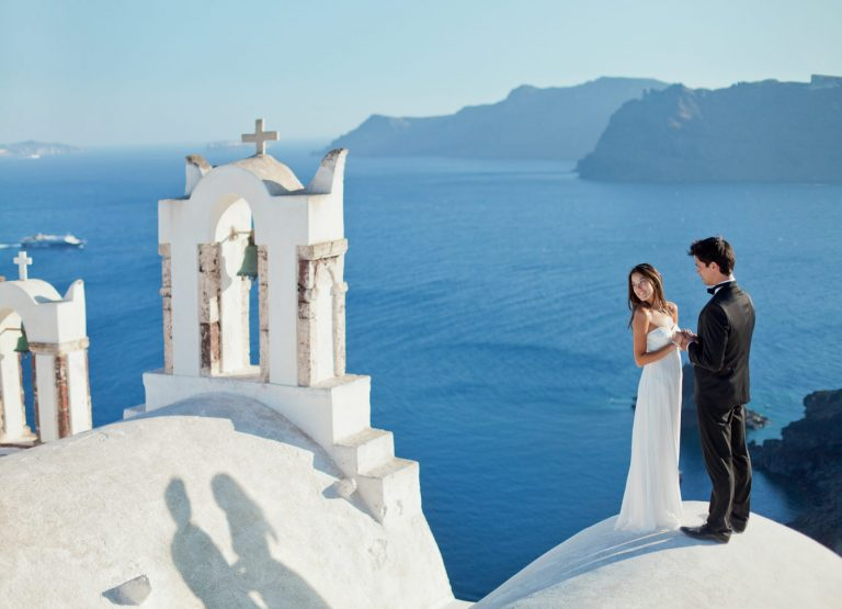 George & Stepanie | Style photo shoot in Santorini – Imerovigli – Fira – Oia